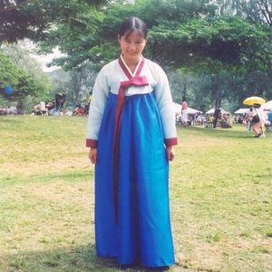 InKoreantraditionaldress3