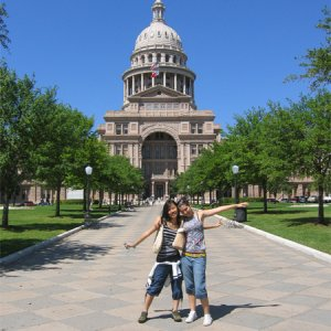 Austin City, with Laura-italy-host sister