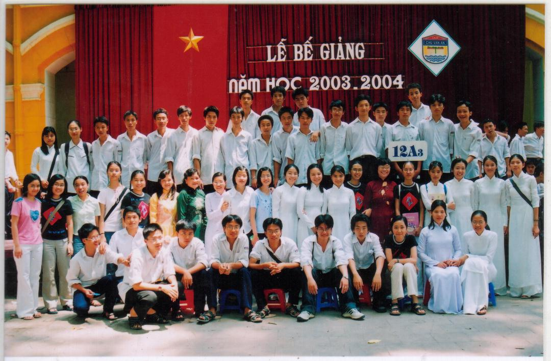 Bế giảng 04